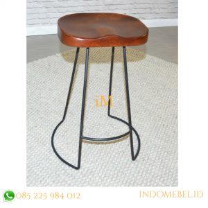 kursi bar industrial sadel kayu