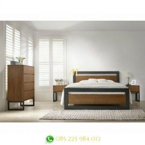 tempat tidur industrialis