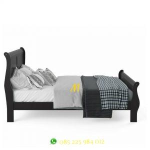 tempat tidur kayu mahogany